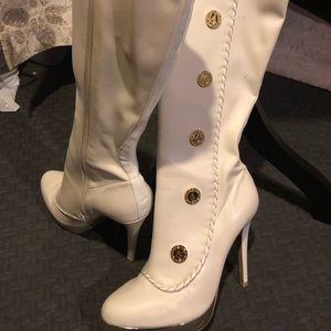 Baby Phat Shoes - Baby Path White Boots 👢